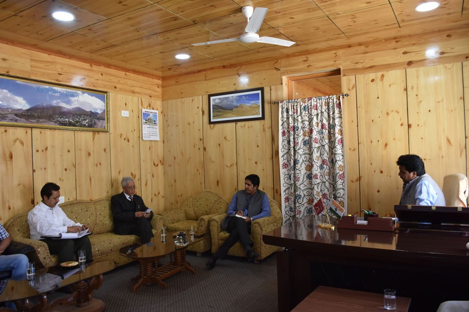 CEC Kargil reviews status of University of Ladakh