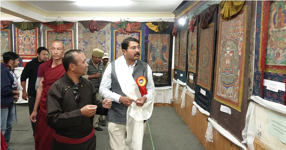 Over 70 different 'Thankas' exhibited on second day of Ladakh festival, 2019
