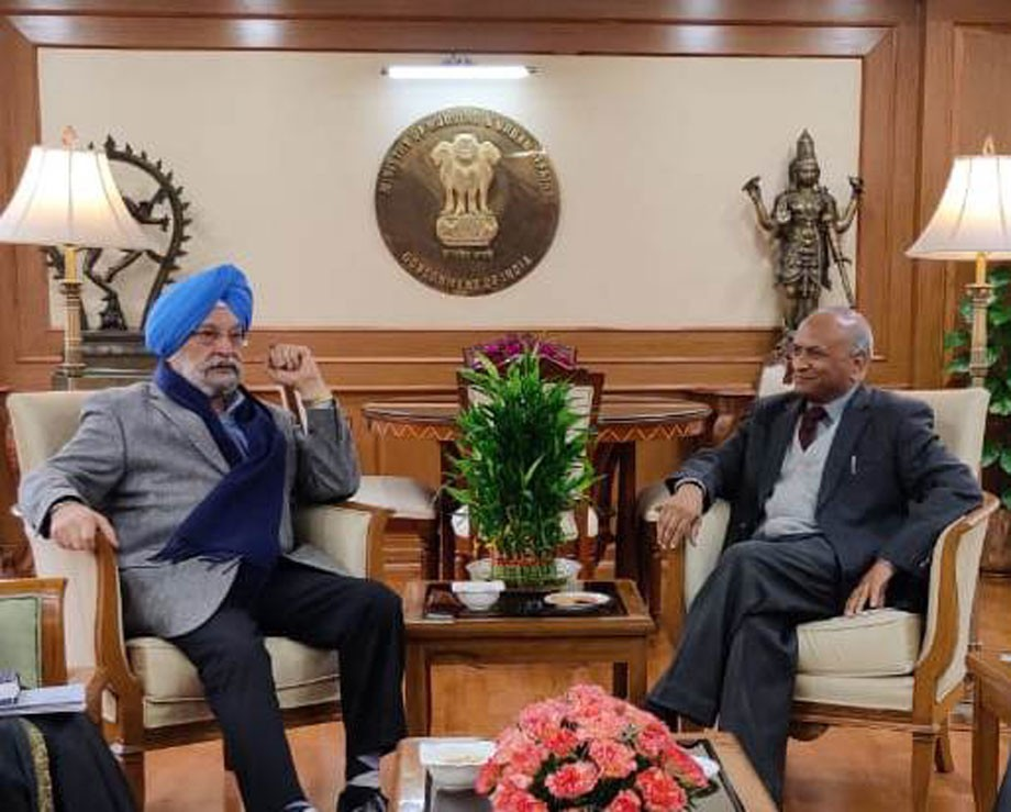 L-G, Ladakh,  takes up sir connectivity issues with Civil Aviation Minister