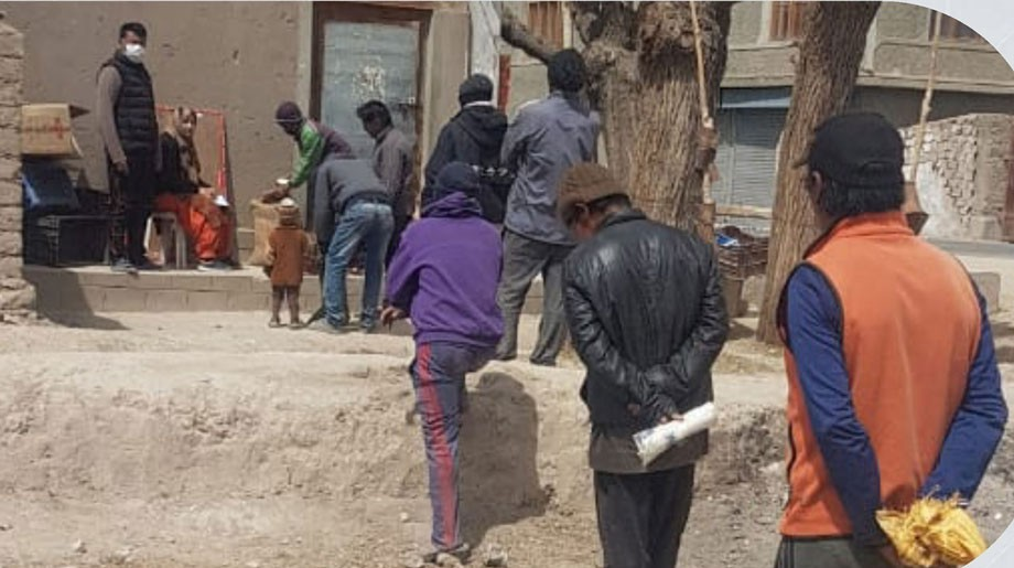 District Administration, Leh, to provide free ration to 8000 migrant labourers, daily wagers