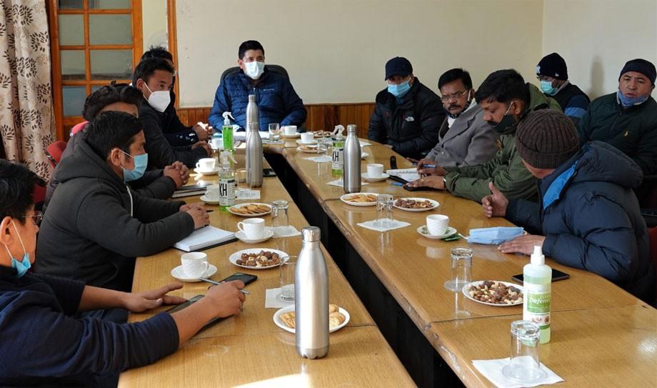 Hill Council, Leh convenes meeting with Commander Project Vijayak (BRO)