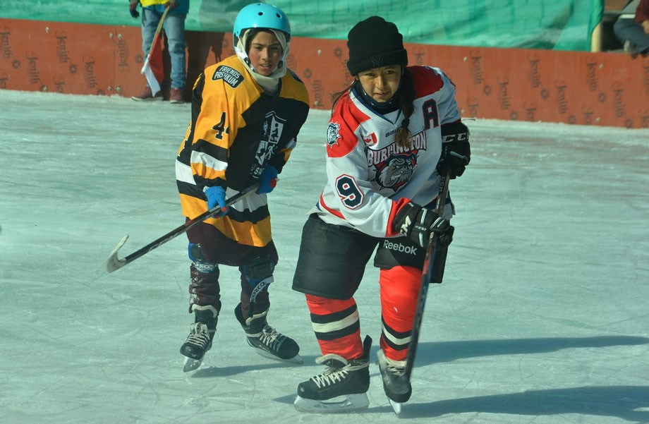 District level Ice Hockey Tourney under Khelo India concludes in Kargil