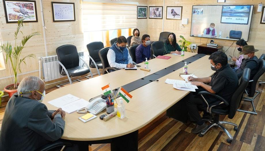 L-G Mathur assesses challenges of Pashmina entrepreneurs of Ladakh