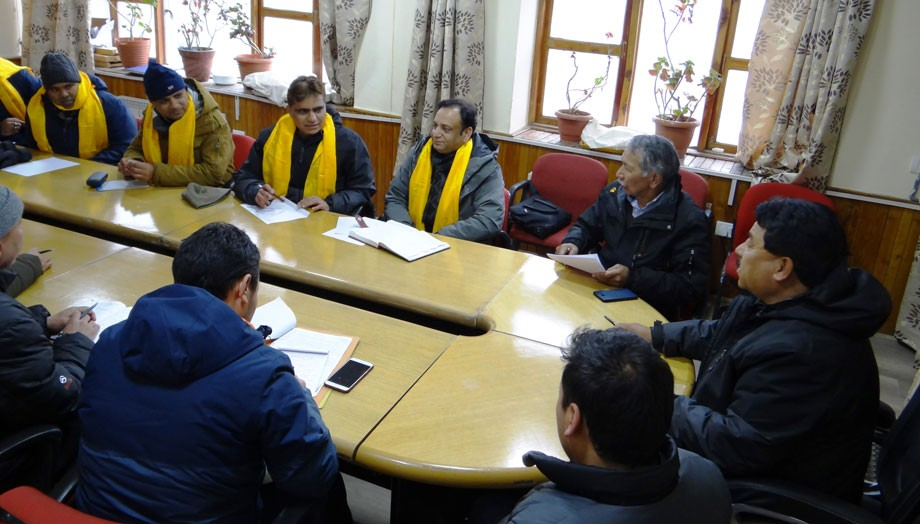 CBSE delegation calls on Chairman, Hill Council, Leh