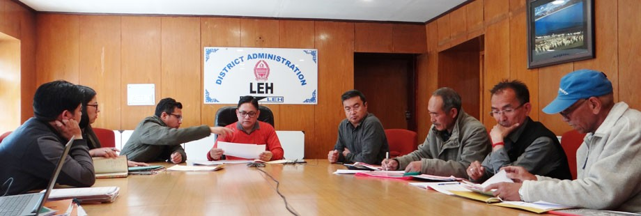 Observer inspects expenditure registers of candidates in Leh