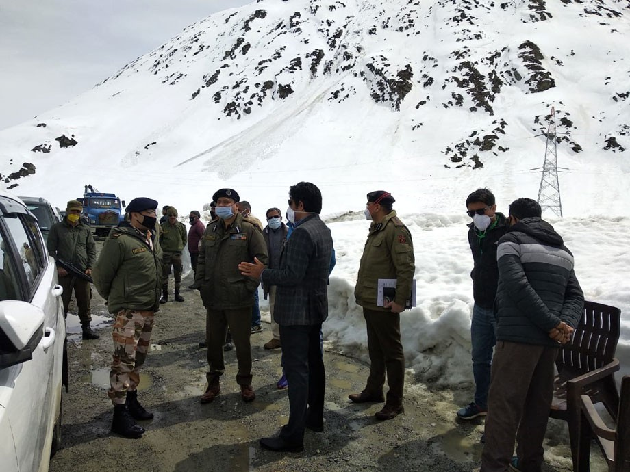 IGP Ladakh inspects arrangements across Zojila Pass axis