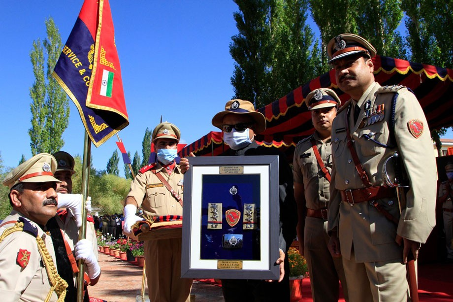 L-G Mathur unveils Ladakh Police's Flag, Formation Sign, and Epaulets