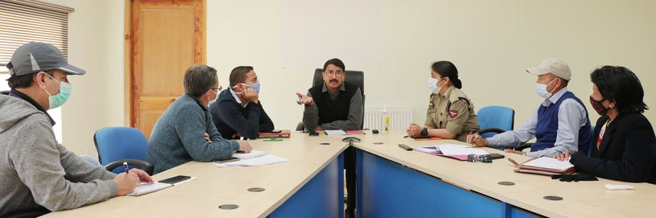 Divisional Commissioner reviews preparations for resumption of passenger flights