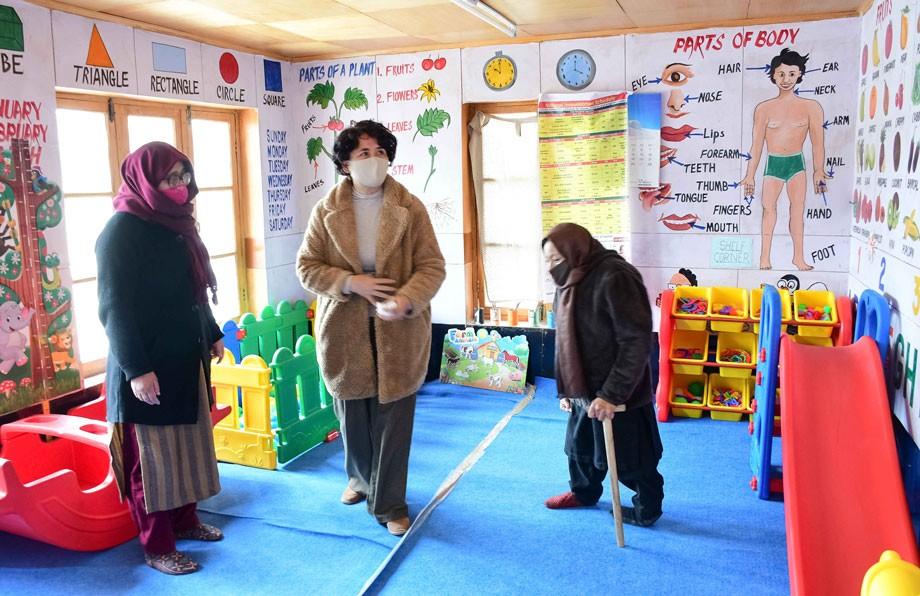 Secretary, Social & Tribal Welfare visits Mahila Shakti Kendra, One-Stop Centre