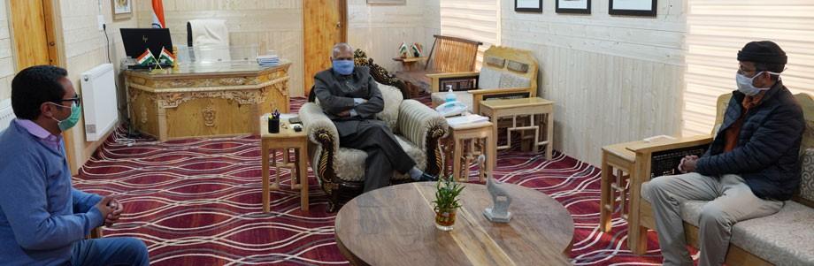 L-G meets  EC (Minority) & President, Anjuman-e-Imamiya
