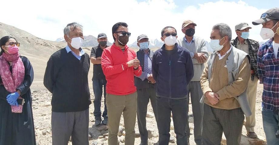 MP, Ladakh visits Tia, Timgmosgang, reviews installation of Airtel towers