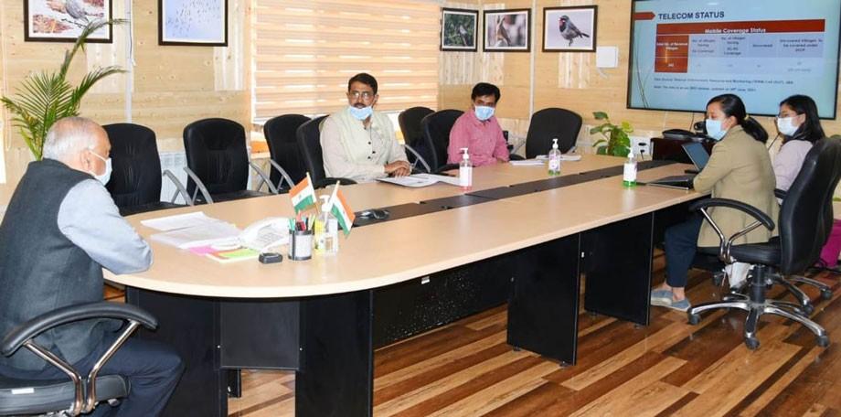 L-G Mathur reviews tele-connectivity, allied projects under Info Tech Department